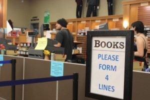 The new costumer service counter has helped cut down on bookstore thievery.  Photos by Noah Hughes | The Broadside
